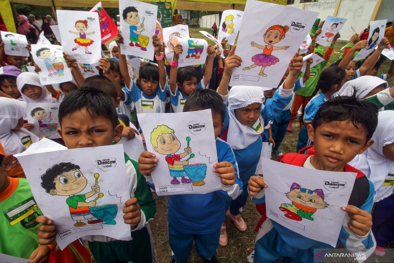 Lomba Mewarnai Gambar Anak Sehat Antara News