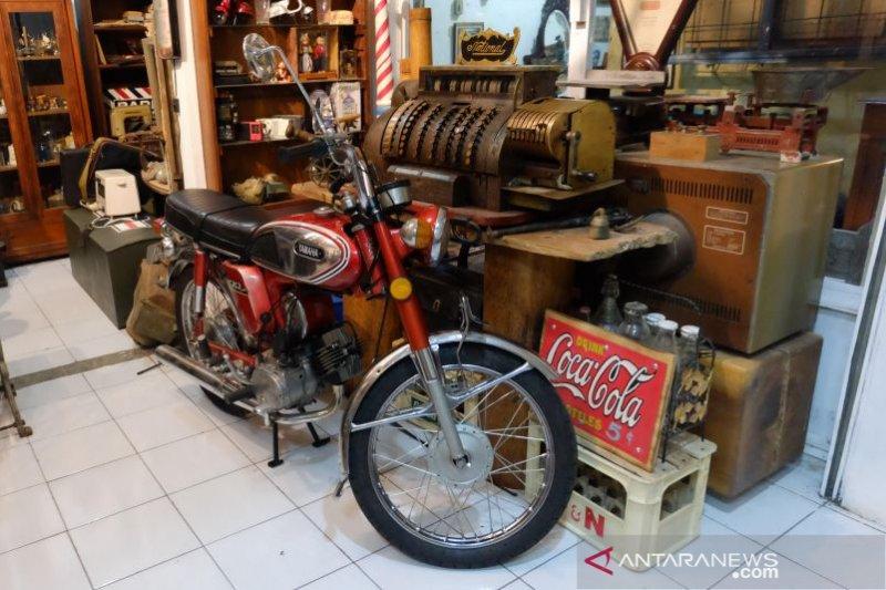 Pasar antik Cikapundung wisata belanja barang vintage murah dan berkualitas