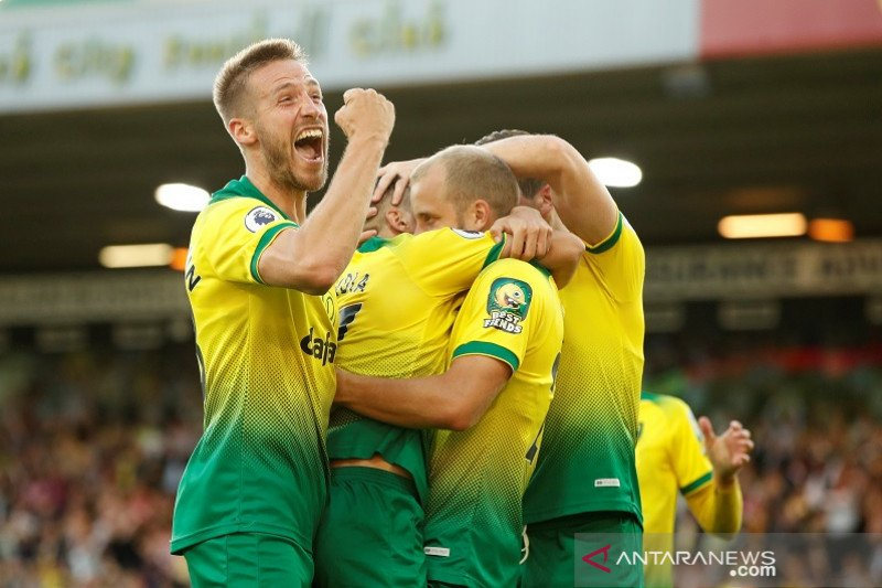Fans Liverpool bersorak, Man City terjungkal di markas Norwich