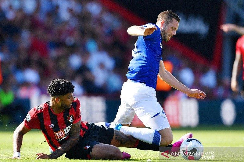 Everton ditekuk Bournemouth 1-3