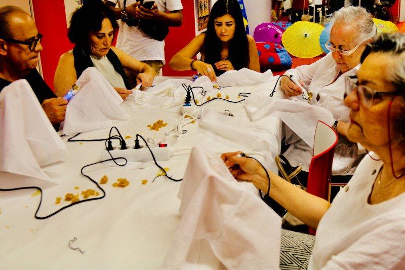 """Warga Portugal antusias belajar membatik dalam """"Jogja Kota Batik Dunia"""""""