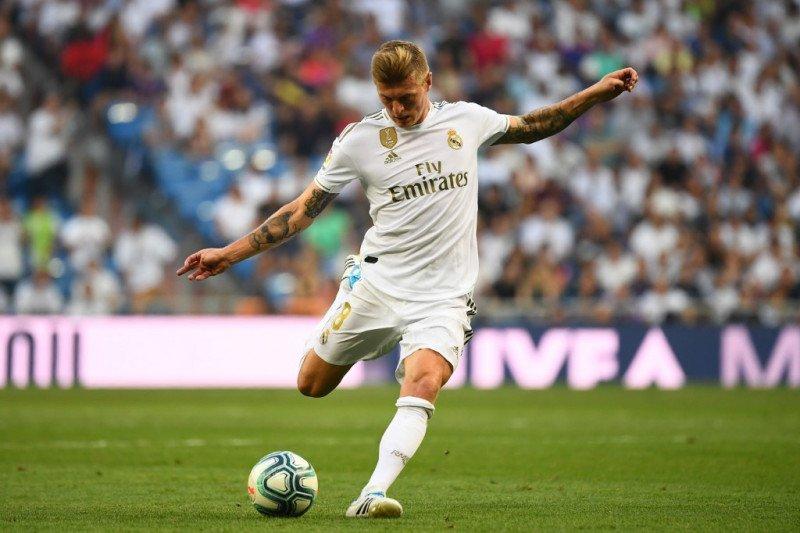 Real Madrid menginginkan barter Toni Kroos dengan Paul Pogba