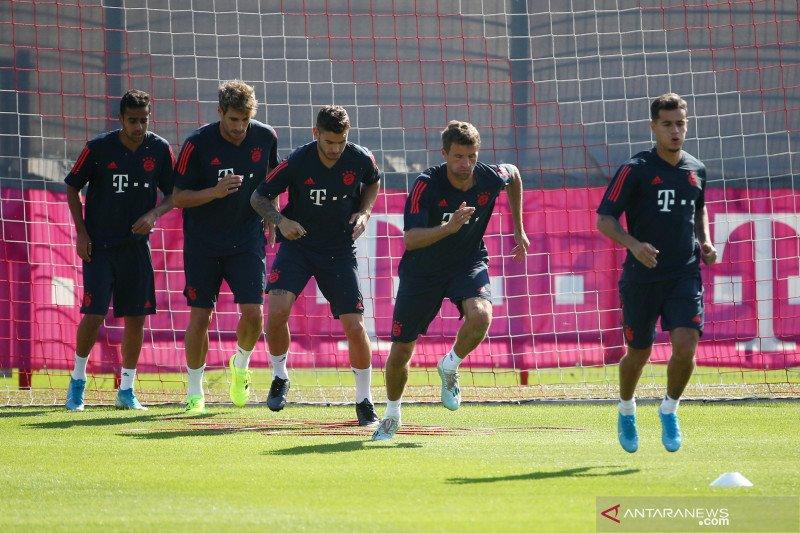 Bayern Munich memberlakukan jarak fisik dalam latihan