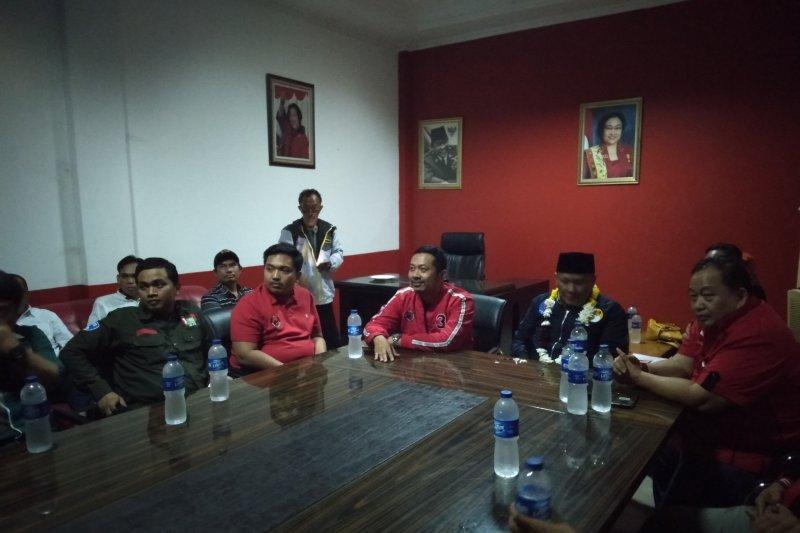 Delapan orang daftar bakal calon bupati ke PDIP Karawang
