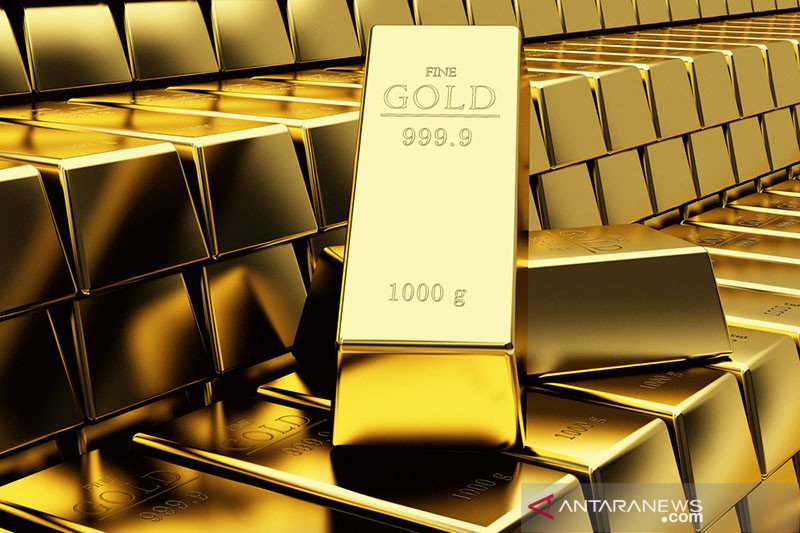Harga emas turun lebih dari satu persen