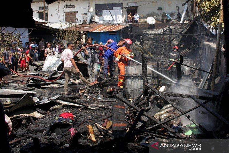Kebakaran pasar Pabambaeng