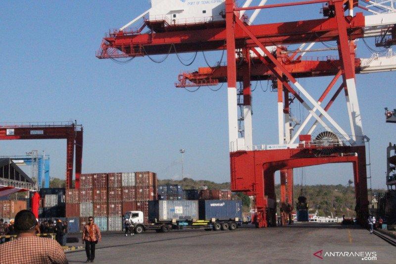 Belum saatnya menambah derek bongkar muat di Pelabuhan Tenau