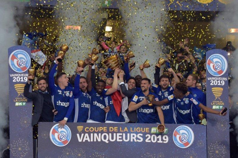 Prancis tangguhkan Piala Liga