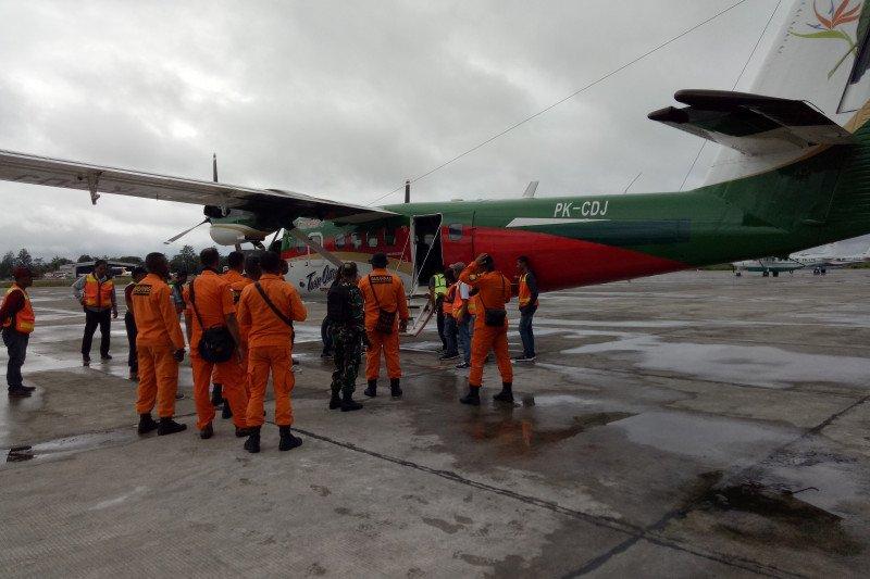 Pencarian pesawat hilang kontak di Papua terus dilakukan
