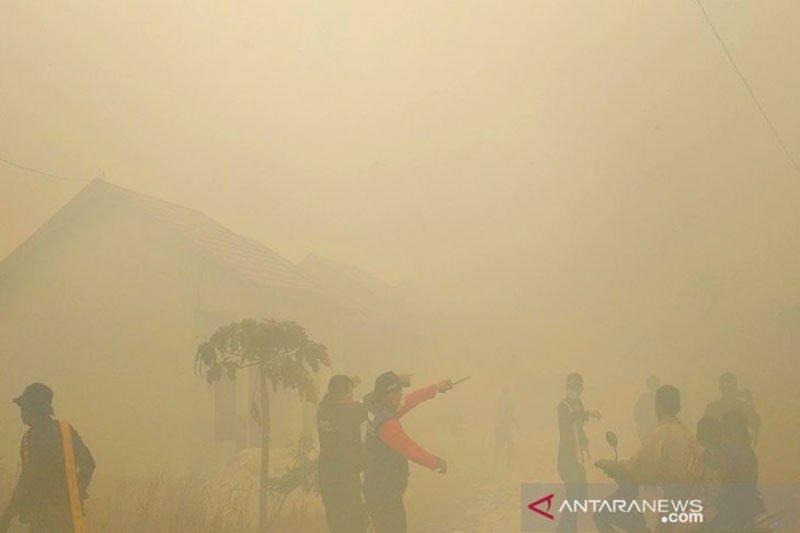 Kebakaran lahan nyaris hanguskan sekolah dan rumah warga