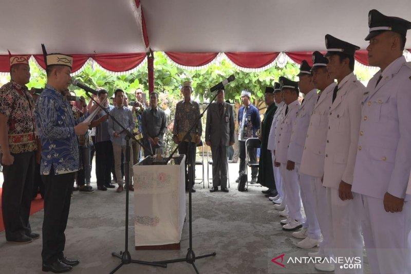 Bupati Kapuas minta kepala desa satukan masyarakat