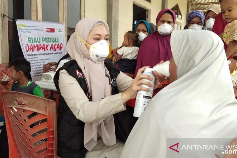 ACT bagikan ribuan masker kepada warga terdampak kabut asap