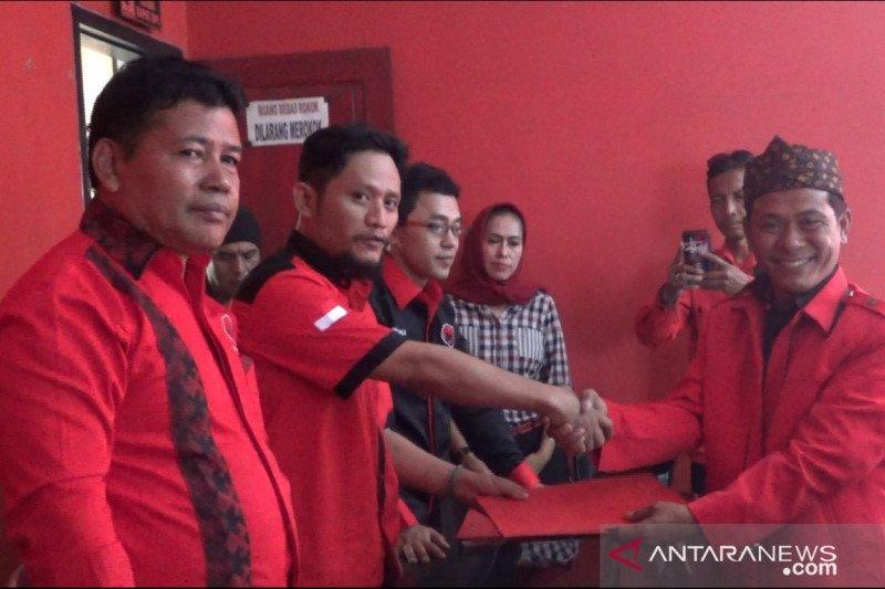 Kader PAN dan Gerindra ikut daftar bakal calon bupati Sukabumi ke PDIP