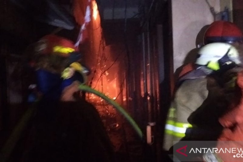 Damkar: Korban kebakaran Jatinegara tercatat 452 jiwa