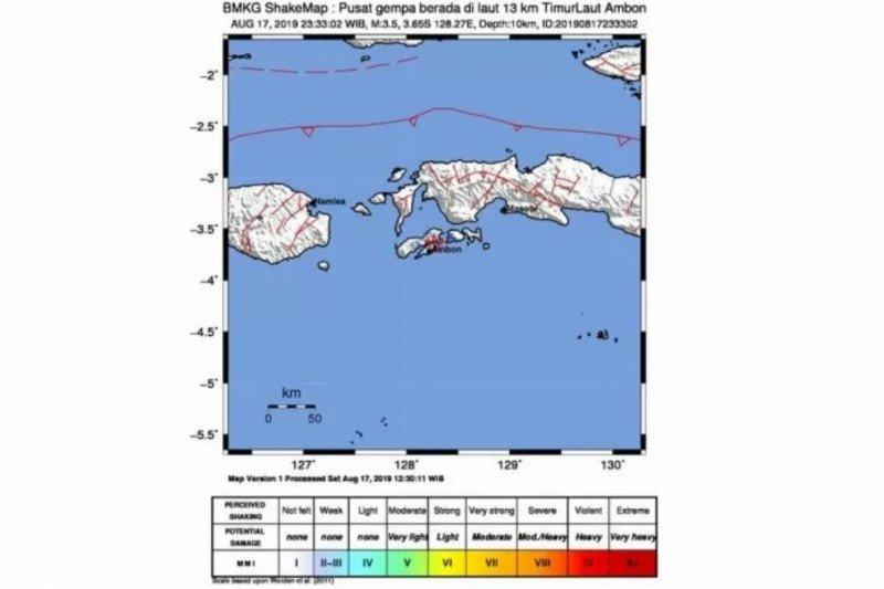 Flash - Gempa magnitudo 6,8 guncang pulau Ambon