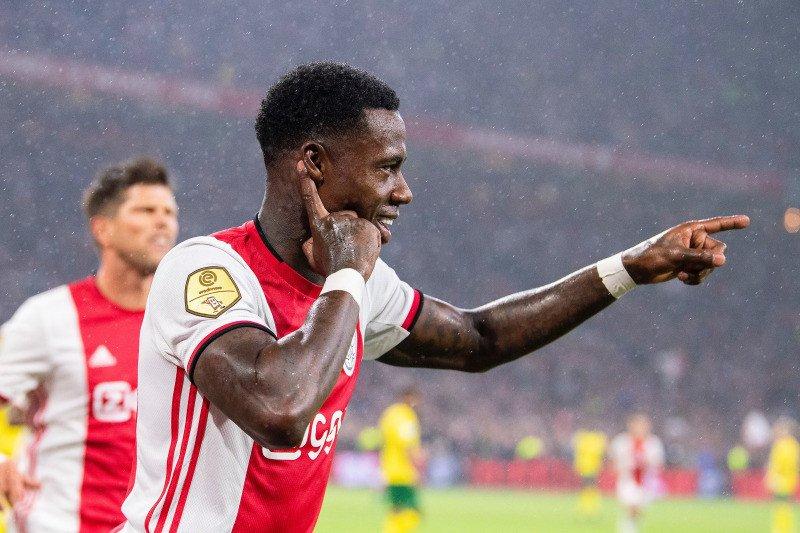 Gusur PSV, Ajax berhasil kembali ke puncak