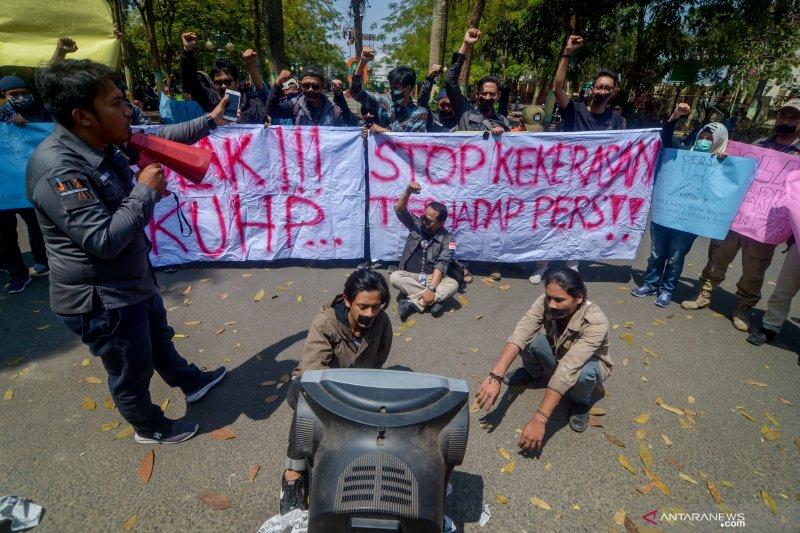 Jurnalis Cimahi-IJTI Sangkuriang gelar aksi mengecam kekerasan terhadap pers