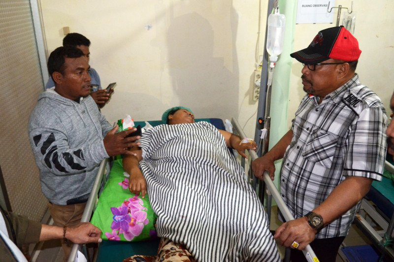 23 orang meningal dan ratusan luka-luka akibat gempa Ambon