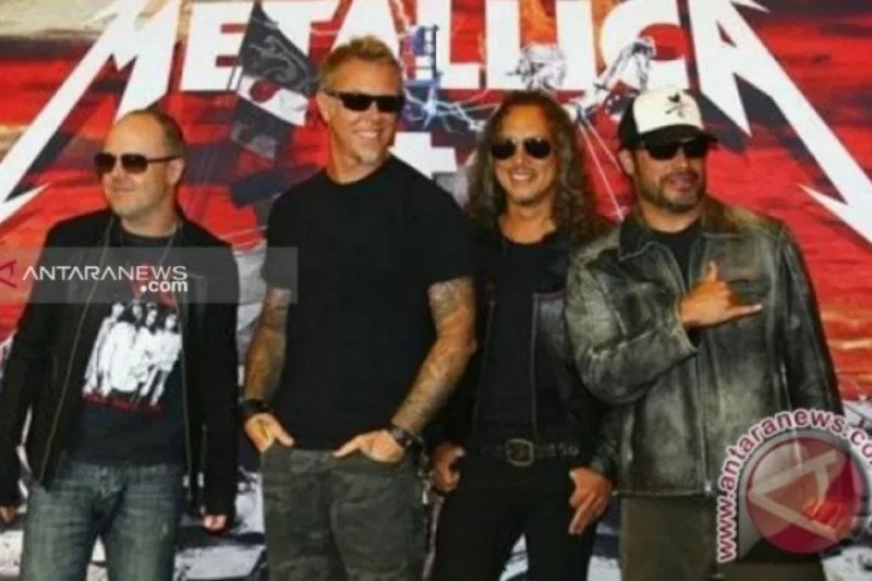 James Hetfield rehab, tur Metallica ditunda
