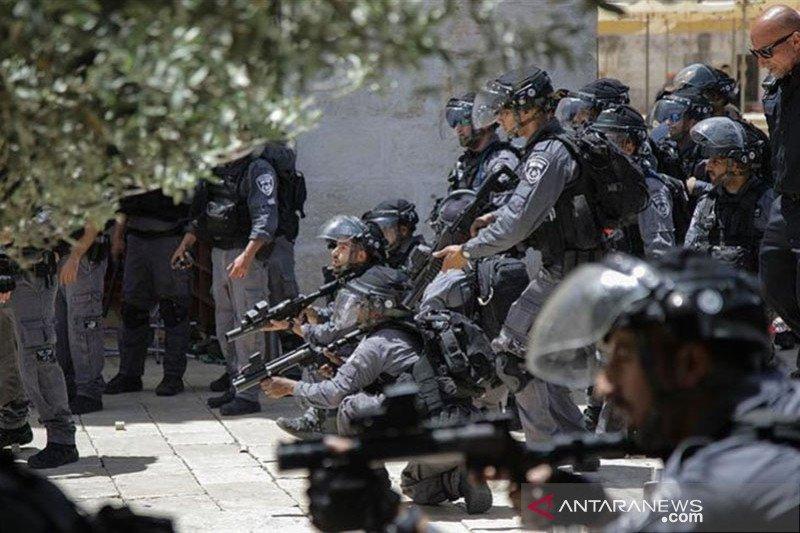 100 ekstremis Yahudi serbu Masjid Al-Aqsha