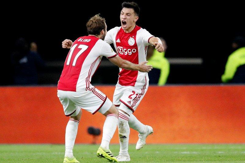 Ajax menang hadapi 10 pemain Groningen