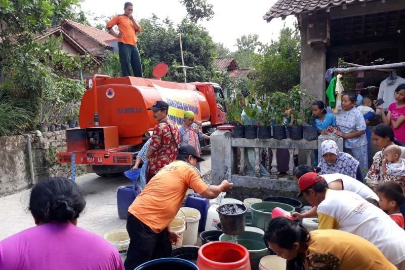 BPBD Cilacap salurkan 622 tangki air bersih ke warga kekeringan