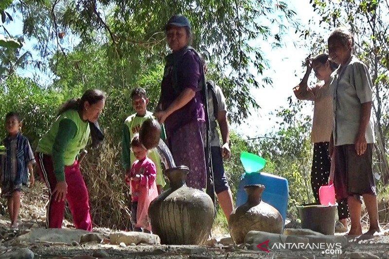 Boyolali droping 768 tangki air ke daerah kekeringan