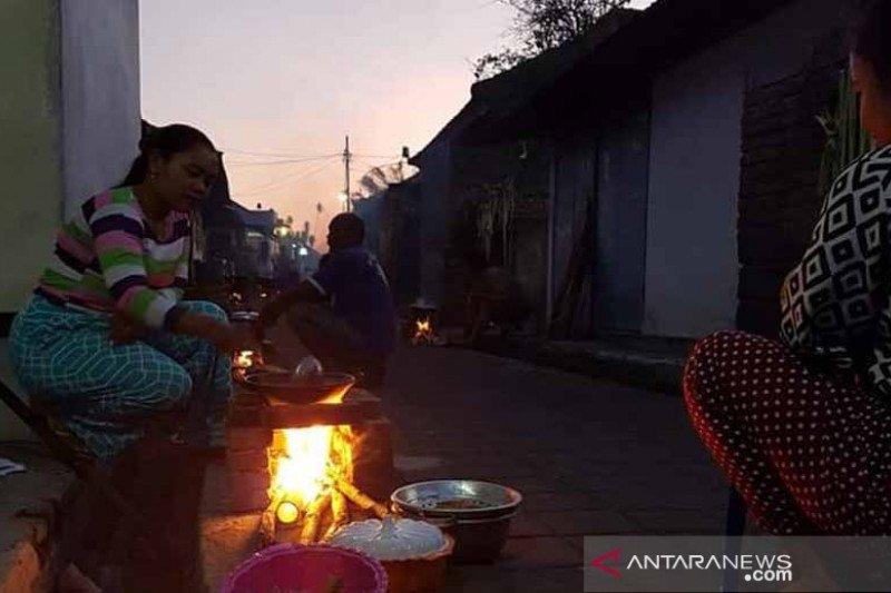 """Warga Busungbiu Buleleng Nyepi Desa dan """"Nyakan Diwang"""""""