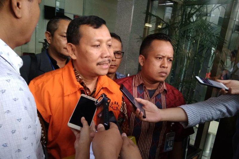 Untuk penyidikan kasus tersangka Iwa Karniwa, KPK panggil tiga saksi