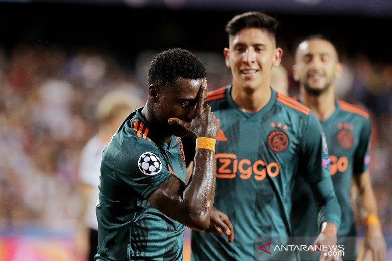 Ajax taklukan tuan rumah Valencia 3-0 di Mestalla