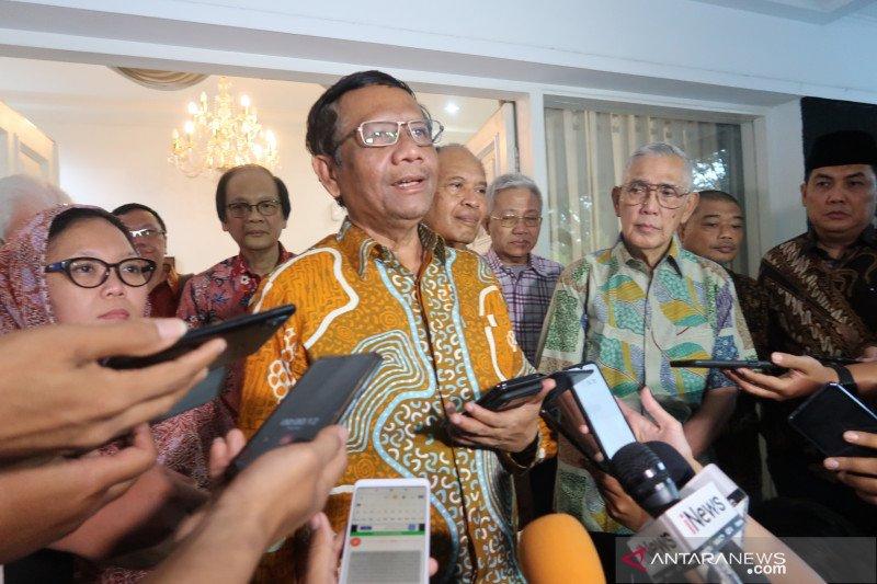 Mahfud MD bertemu Try Sutrisno bahas Papua