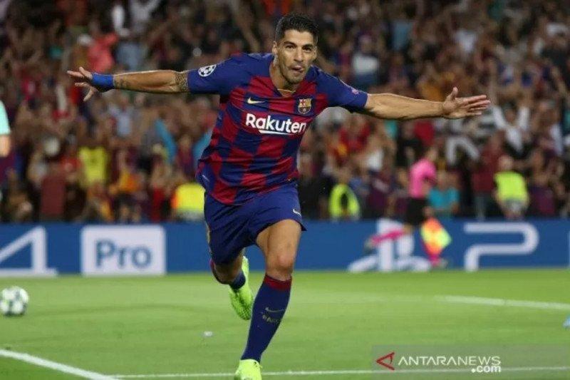 Suarez resmi tinggalkan Barcelona