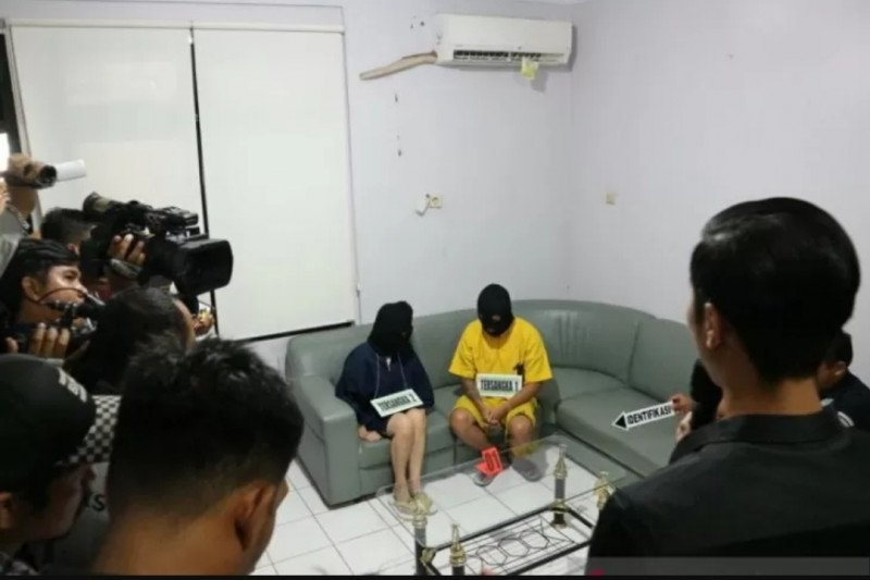 Sewa pembunuh bayaran habisi suami, pasangan selingkuh ini ditangkap polisi