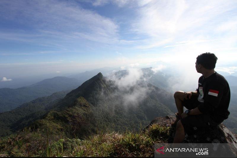 Menjajal wisata tak biasa  di Pegunungan Meratus