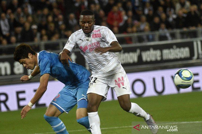 Setelah enam pekan tak terkalahkan, Marseille ditaklukkan Amiens