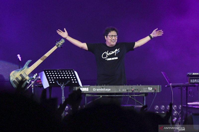 Berita Kemarin, Erwin Gutawa hadirkan Chrisye hingga pengiriman ponsel naik