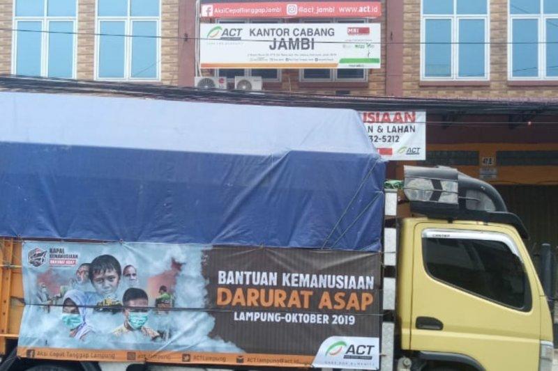 Truk Kemanusiaan ACT Lampung tiba di Jambi