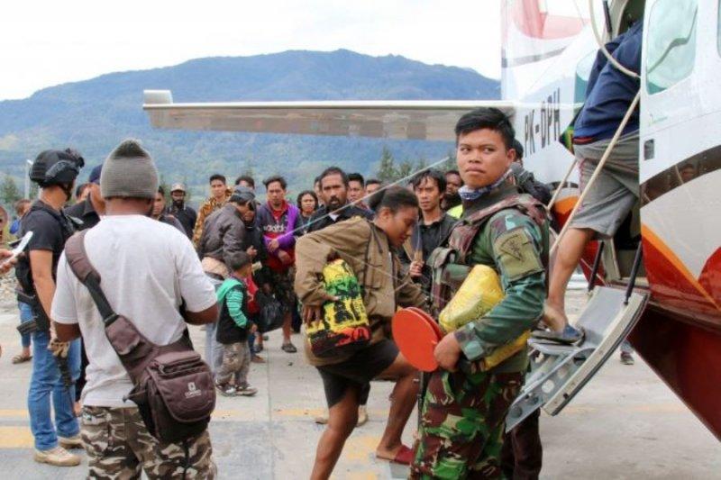 Masyarakat Ilaga mengungsi