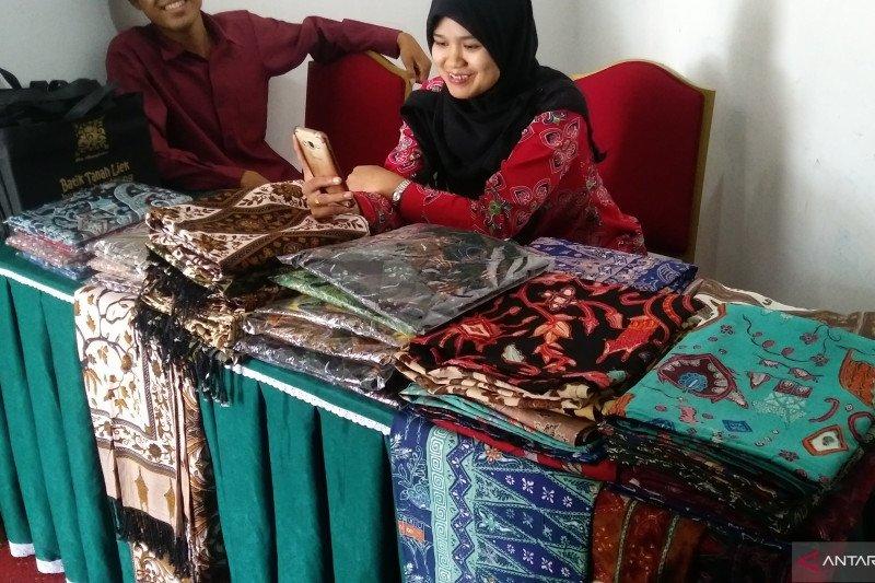 42 motif batik khas Minang dipatenkan