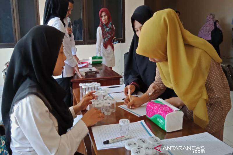 302 calon wisudawan IAIN dites urine