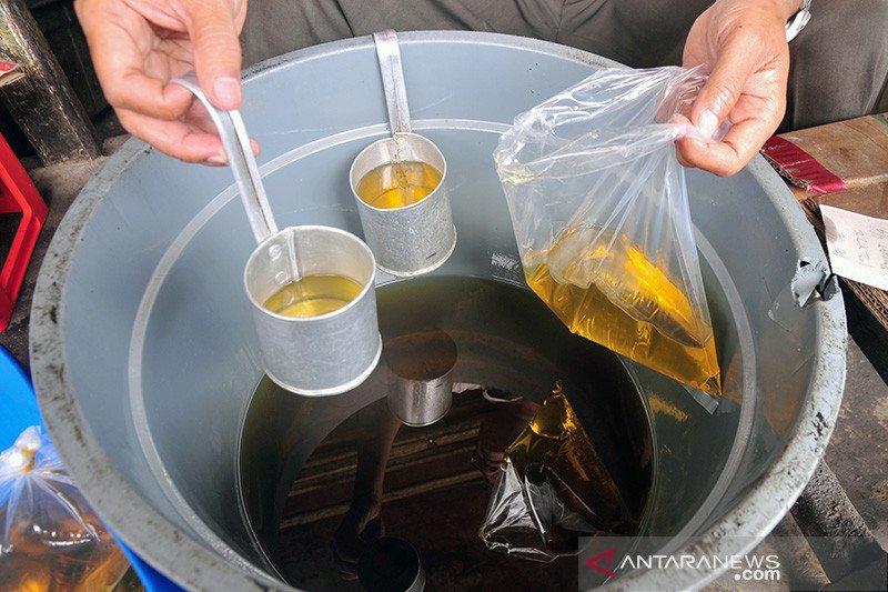 Penghapusan minyak goreng curah dapat penolakan dari warga