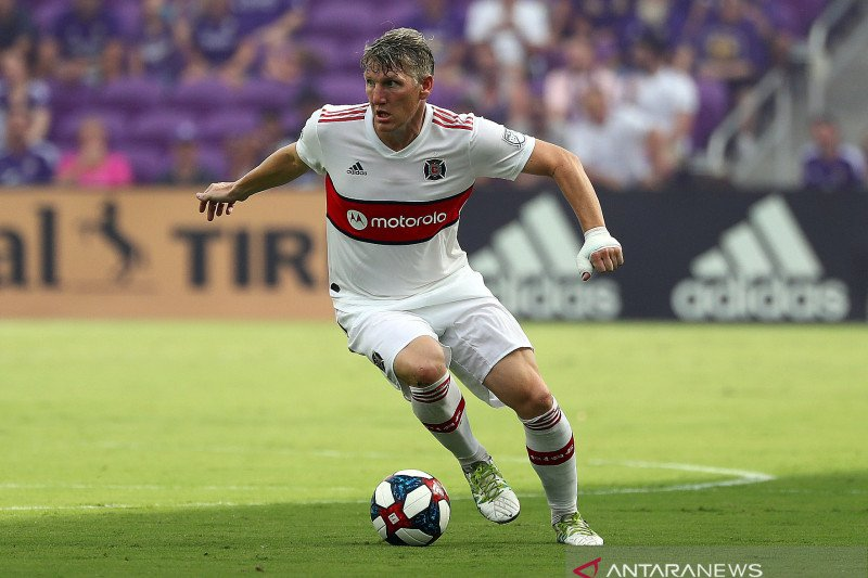 Bastian Schweinsteiger umumkan gantung sepatu