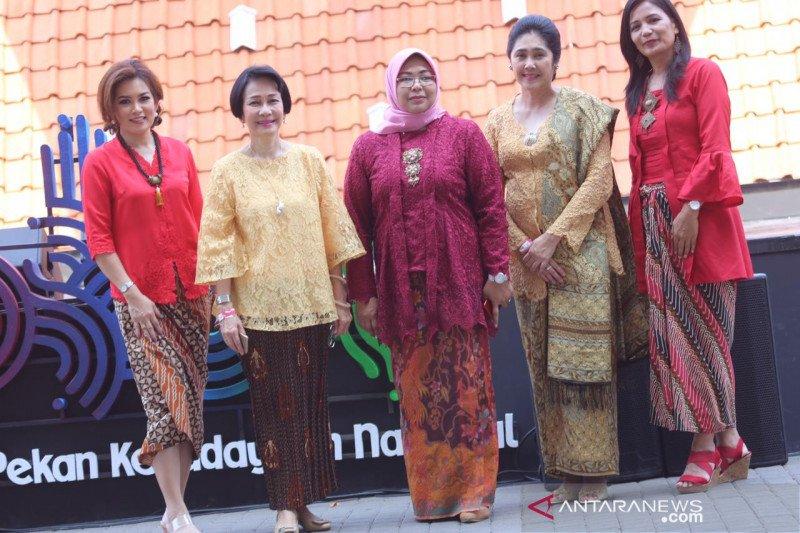 """Ajang """"Rumpi Kebaya"""" ajak generasi milenial kenali pakaian tradisional"""