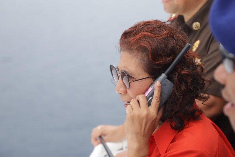 Menteri Susi Pudjiastuti pimpin penenggelaman kapal di tiga kota