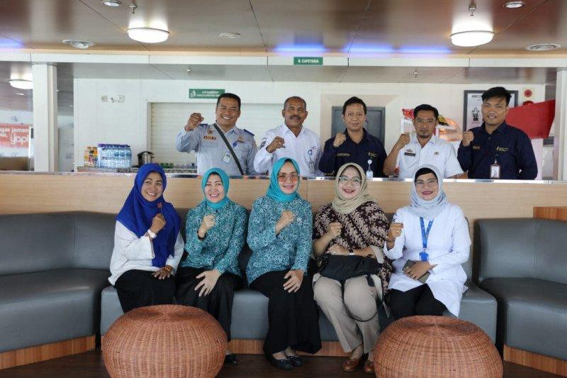 Ketua Dekranasda Provinsi Lampung tinjau pembangunan stan UMKM di Dermaga Bakauheni