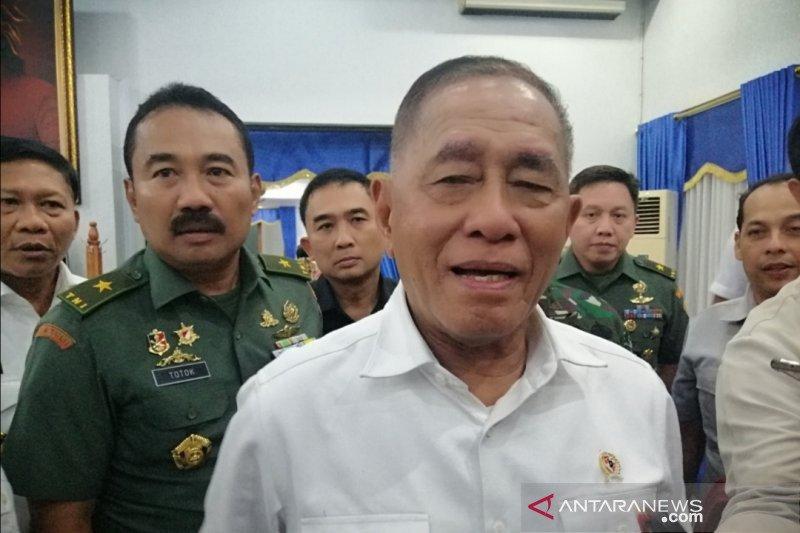 Ryamizard Ryacudu ucapkan selamat kepada Prabowo