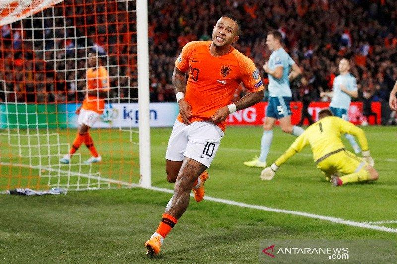 Belanda tundukkan Irlandia Utara 3-1