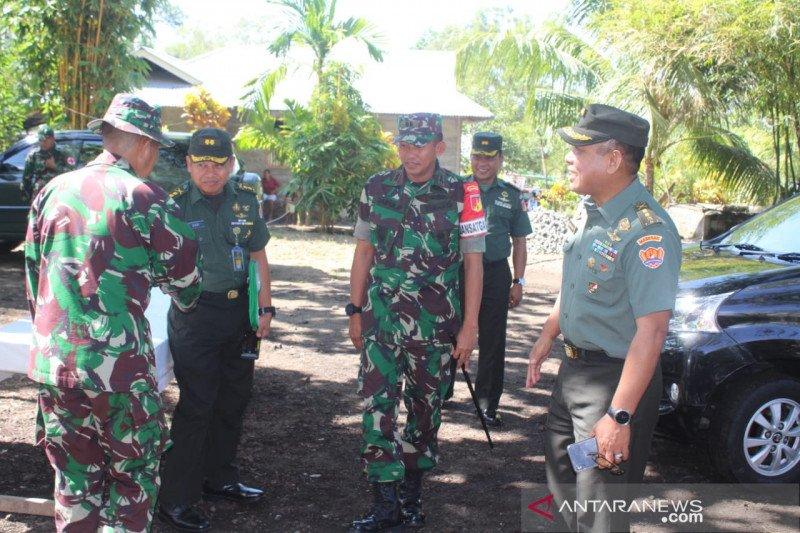 Tim Mabes TNI pantau kegiaqtan  TMMD ke-106 di Sangihe