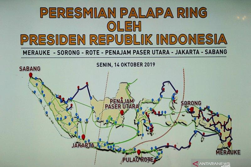 Curhat sejumlah kepala daerah ke Presiden Jokowi saat peresmian Palapa Ring