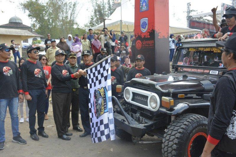 Asosiasi Jeep Wisata menggelar Kenduri Raya Sewu Jeep Merayap Merapi